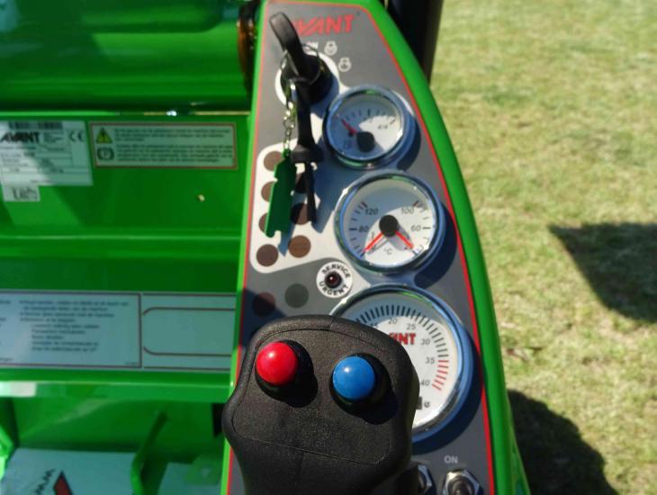 Compacte wiellader Avant 528_6